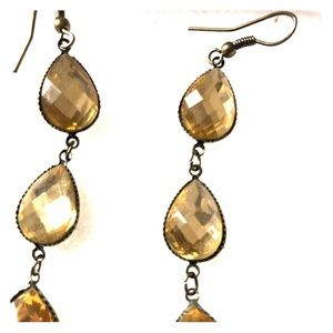 Jewelry - 3 tiered droplet costume earrings